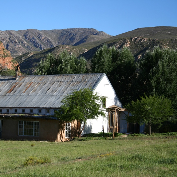 Red Cliffs Farmhouse